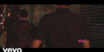 Bacilos - Por Hacerme el Bueno (Official Video)