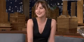 Dakota Jonhson en el programa de Jimy Fallon (subtitulado en español)