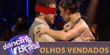 Leo Miggiorin encara tango com olhos vendados