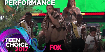 "French Montana Sings ""Unforgettable (ft. Swae Lee) & Rae Sremmurd Sings ""Black Beatles"" 